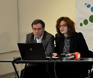 Lasha Tughushi (left) and Manana Kochladze presented GNP statement on Friday (DF Watch photo)