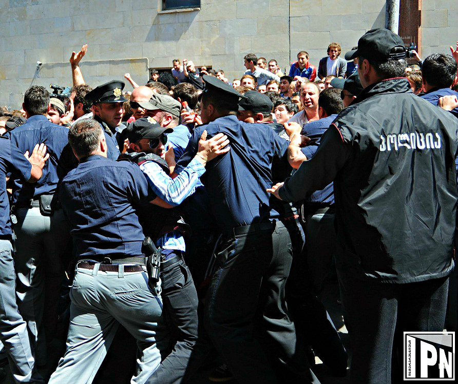 police line and crowd ii 2013-05-17