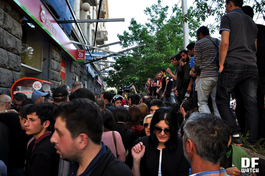 siege at Populi 2013-05-17