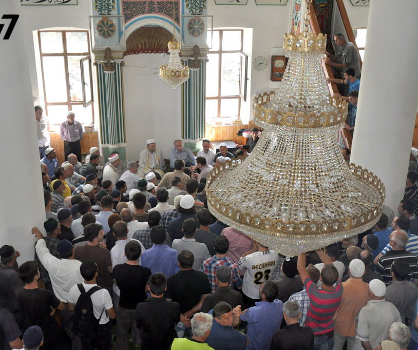 mosque_demonstration_2013-08-28_aqciaa_mechettan__1__Crop