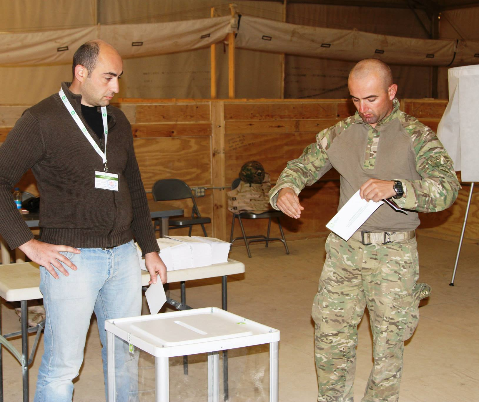 soldiers_voting_in_afghanistan