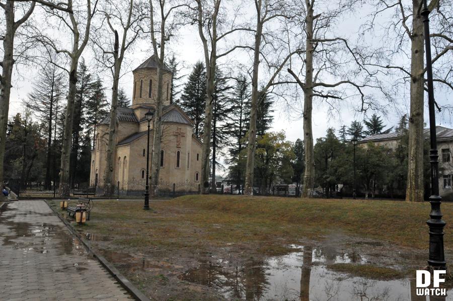 Orthodox Church in downtown Ozurgeti (DFWatch)