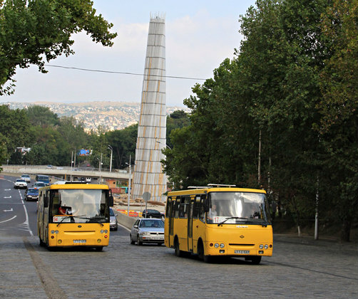 tbilisi_buses_Crop