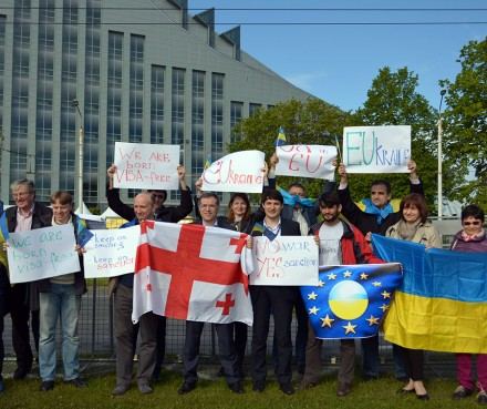 Members of the EaP Civil Society Forum From Georgia and Ukraine rallied in Riga demanding including in the Declaration European perspective for their countries and a visa-free travel to the EU.