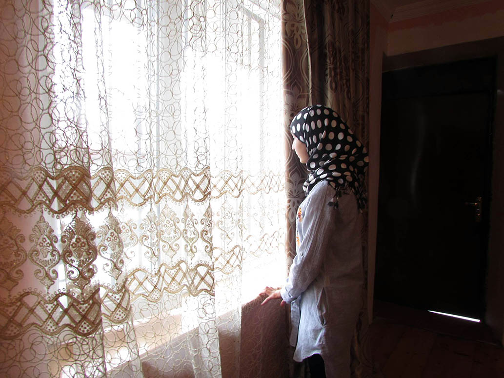 """Either school or hijab – """"my daughters will not go to school without hijab!"""""""