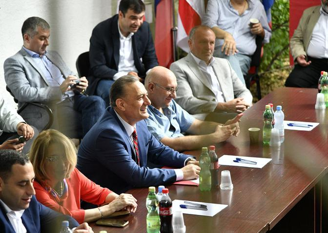 Georgia's opposition forces agree to join efforts to beat Ivanishvili